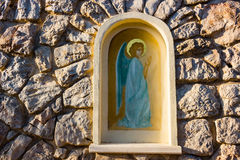 Aedicula mit gemaltem Engel in Medjugorje Lizenzfreie Stockfotos