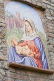 Aedicule votive. Castell'Arquato. Emilia-Romagna. Italien. Stockbilder