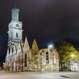 Aegidienkirche en la noche, Hannover, Alemania Fotografía de archivo libre de regalías