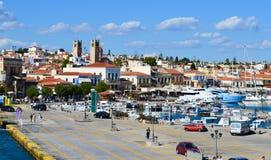 Aegina-Hafen in Aegina-Insel, Griechenland am 19. Juni 2017 Stockfotografie