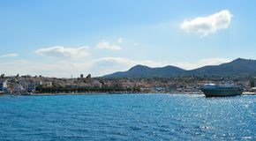 Aeginahaven in Aegina-eiland, Griekenland op 19 Juni, 2017 Royalty-vrije Stock Afbeeldingen