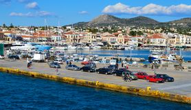 Aeginahaven in Aegina-eiland, Griekenland op 19 Juni, 2017 Stock Fotografie