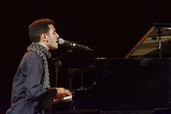Aeham Ahmad Syryjski pianista sławny dla bawić się w ruinach jego miasto Fotografia Royalty Free