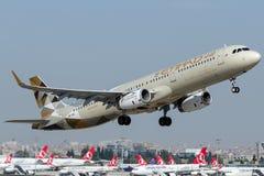 A6-AEI Etihad Airways, Airbus A321-200 Imagem de Stock