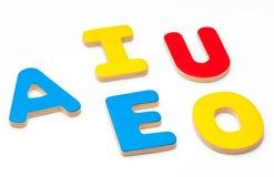 AEIOU, cinco letras del alfabeto Imagen de archivo libre de regalías