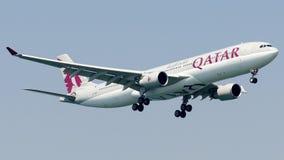 A7-AEM卡塔尔航空,空中客车A330-300 库存图片