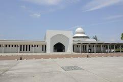 AEntrance de la mezquita a de An-Nur K una mezquita de la universidad de la tecnología de Petronas Imagenes de archivo