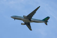 Aer Lingus Airbus A330 desce aterrando no aeroporto internacional de JFK em New York Imagem de Stock Royalty Free