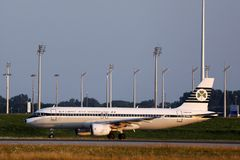 Aer Lingus, Retro livery doing taxi in Munich Airport, MUC, Germany. Aer Lingus Retro livery taxiing in Munich Airport, MUC, Germany stock photos