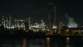 Aera industrial na noite video estoque