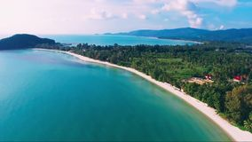 Aeral-blaue Palmen-Ansicht-Himmel-Natur-Thailand-Insel tropisches Asien stock video footage