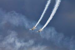 Aerei acrobatici YAK-52 a POLARIZZAZIONE 2015 Immagine Stock Libera da Diritti
