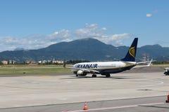 Aerei Boeing 737-800 di Ryanair Immagine Stock