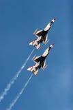 Aerei del thunderbird F16 a airshow Fotografia Stock