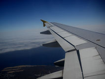 Aerei dell'ala in volo Immagini Stock