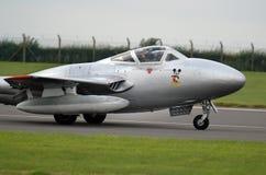 Aerei di aereo da caccia in anticipo del posto unico gemellato e del vampiro di DeHavilland Fotografie Stock