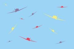 Aerei di combattimento multicolori nel cielo Fotografie Stock Libere da Diritti