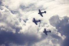 Aerei di combattimento sul cielo nuvoloso Immagine Stock Libera da Diritti