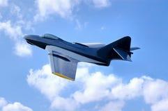 Aereo da caccia del blu marino durante il volo Fotografia Stock Libera da Diritti