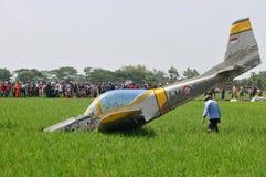 Aereo di addestramento militare caduto in Indonesia Fotografie Stock