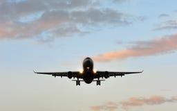 Aereo di atterraggio Front View Fotografia Stock Libera da Diritti