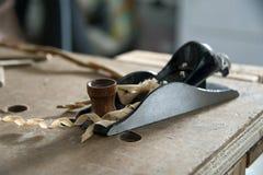 Aereo di blocco con i trucioli di legno Immagine Stock