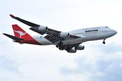 Aereo di linea dell'annuncio pubblicitario del jumbo 747 di Qantas Fotografia Stock