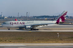 Aereo di Qatar Airways Airbus A330 Fotografie Stock