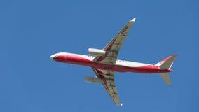 Aereo passeggeri luminoso Tu-204 Immagine Stock Libera da Diritti