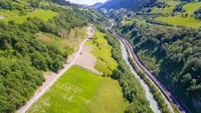 Aeria-Ansicht, Salzach-Fluss, der das Tal des Aust durchfließt Lizenzfreie Stockbilder