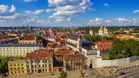 aerial Alte Stadt in Vilnius, Litauen: das Tor von Dämmerung Stockfotos
