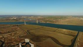 aerial Brücke auf dem Fluss Guadiana auf Grenze mit Spanien stock video