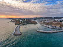 aerial Eingang zum Hafenseehafen in Albufeira Lizenzfreie Stockfotos