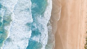 Free Aerial Perspective Of Waves And Beach Along Great Ocean Road Royalty Free Stock Images - 168667169