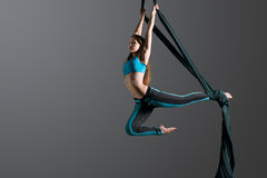 Free Aerial Silk Female Performer Royalty Free Stock Images - 60368999