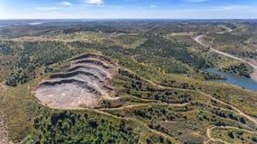 aerial Steinbrüche, Bergwerke nahe dem Reservoir Odeleite portugal Stockfoto