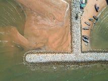 aerial Steinwellenbrecher in das Meer in Pattaya, Chonburi, Th Lizenzfreie Stockbilder