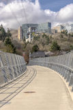 Aerial tram transporting people in Portland Oregon. Stock Photos
