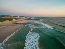 Free Aerial Videoin Motion During Sunset In The Atlantic Ocean In Costa Da Caparica, Lisbon, Portugal. Royalty Free Stock Photos - 90875178