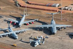 Darwin, Australia - August 4, 2018: Aerial view of military aircraft lining the tarmac at Darwin Royal Australian Airforce Base du Stock Images