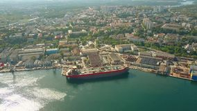 Free Aerial View Of A Ship Under Construction At The Shipyard Stock Photos - 97983553