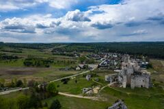 Free Aerial View Of Mirow Castle, Eagles Nests Trail. Medieval Fortress In The Jura Region Near Czestochowa.  Silesian Voivodeship. Royalty Free Stock Images - 181812799