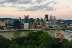 Aerial view of the Pittsburgh skyline at dusk Royalty Free Stock Photos