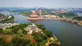 Aerial view of Putra mosque with garden landscape design and Putrajaya Lake, Putrajaya. The most famous tourist attraction in. Kuala Lumpur City, Malaysia stock photography