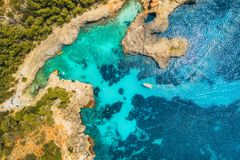 Aerial view of seashore with transparent blue water Royalty Free Stock Photos