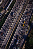 Aerian Ansicht der Autobahn während der Hauptverkehrszeit Stockfotografie