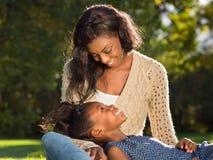 Aerican amerikanskt moder och barn Royaltyfri Fotografi