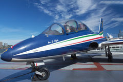 Aermacchi MB-3391 an Interpid Museum Stockbild