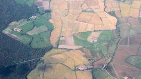 Aero filmande, jordbruks- fält Milan Italien arkivfilmer