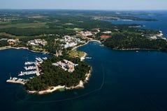 Aero panoramisches Foto von Porec, Kroatien Stockbilder